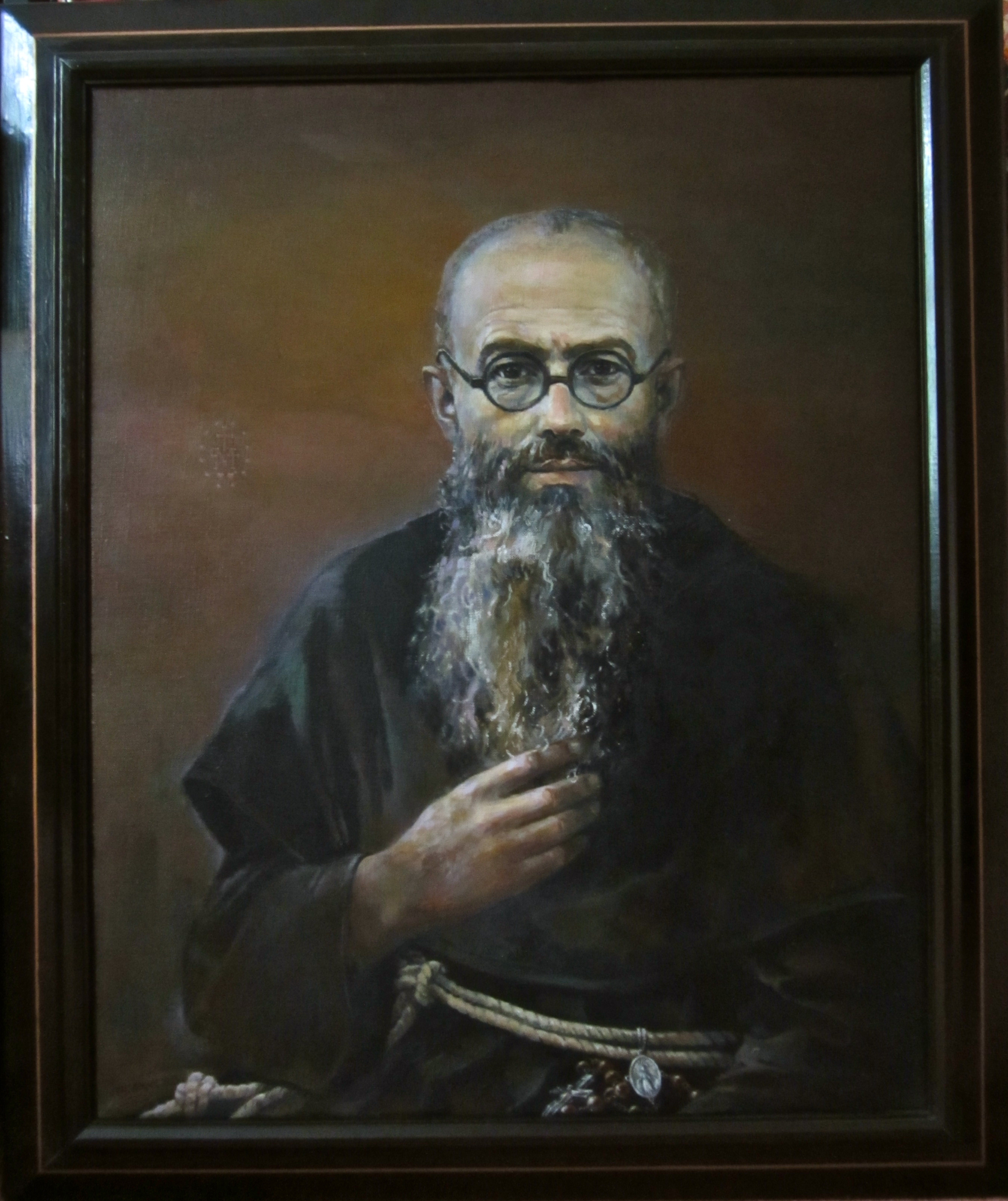 father maximilian kolbe Several months later, father maximilian kolbe willingly sacrificed his own life,  when he spontaneously stepped forward and took the place of a married man  who.