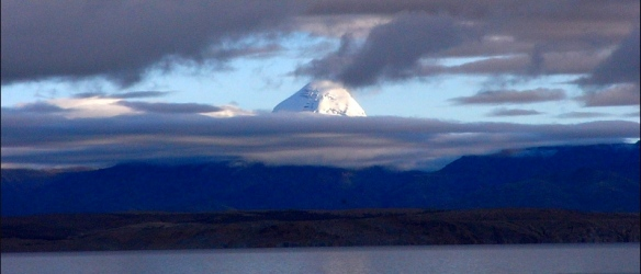 Mt Kailas over manasarovar, www.trekearth.com