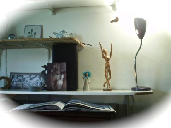 shelf & dancer