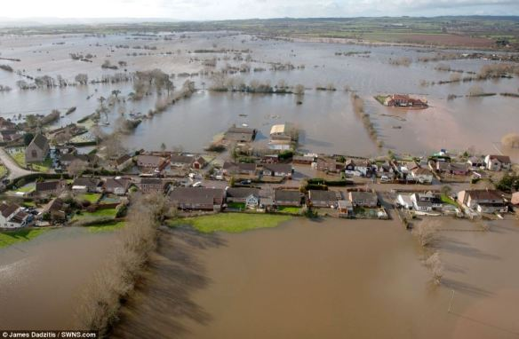 somerset floods, Moorland near Bridgewater, daily mail