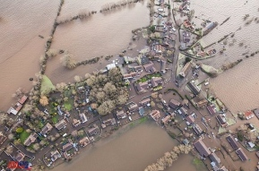 staggering_new_pictures_of_the_somerset_levels_floods_m6