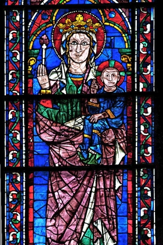 madonna, south transept chartres